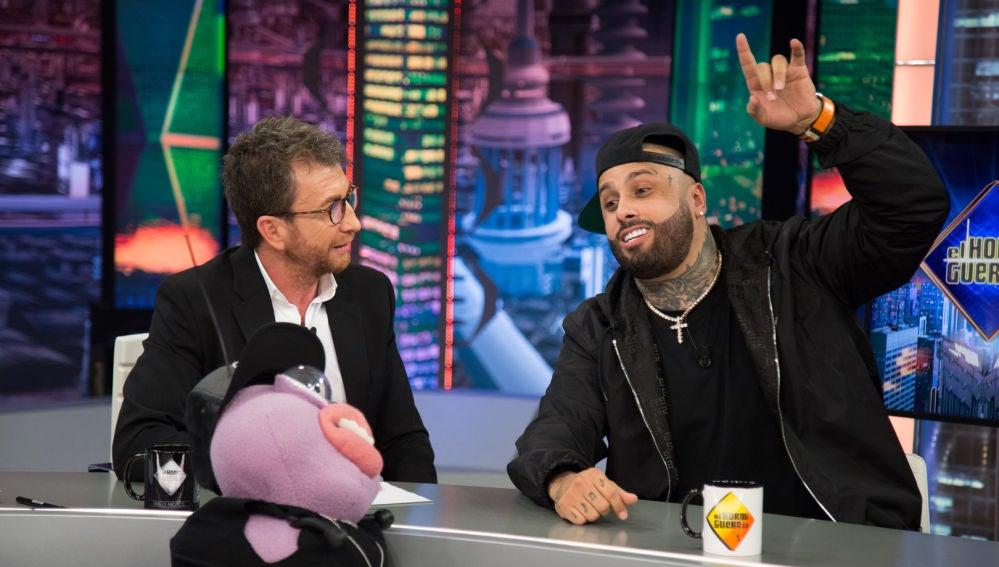 El dúo entre Petancas y Nicky Jam que ha llenado el plató de 'El Hormiguero 3.0' de ritmo y música
