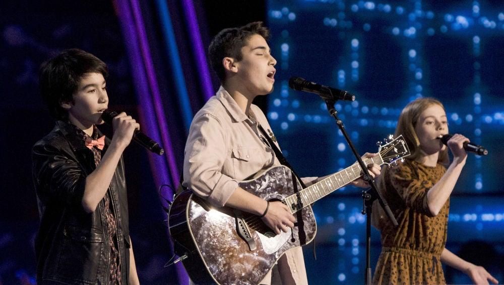 Julio Gómez, Olivia Fernández y Luis Giménez cantan 'I'm not the only one' en las Batallas de 'La Voz Kids'
