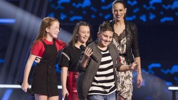 Rosario y Lolita Flores eligen a Chavito en las Batallas de 'La Voz Kids'