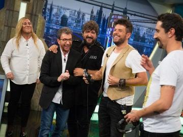 Pablo López y Antonio Orozco desatan las carcajadas tras cambiar las reglas en 'El teléfono escacharrado de imitaciones'