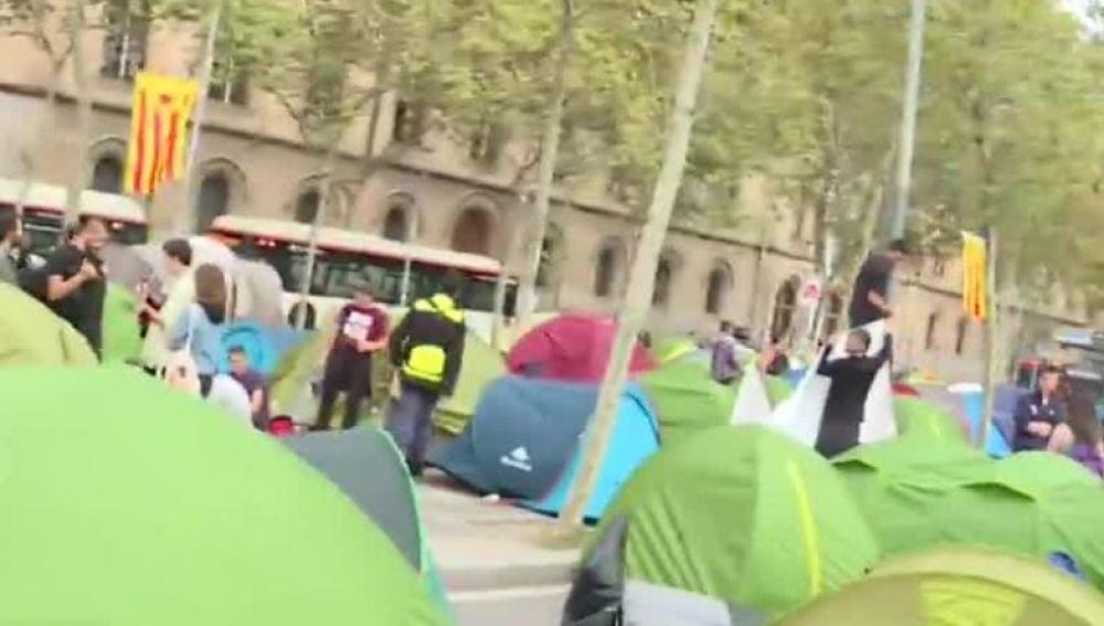 Acampada de estudiantes en Barcelona