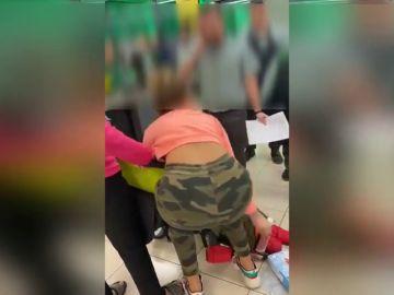 Prisión privisional para la joven detenida por el robo con violencia en un supermercado de Cerdanyola