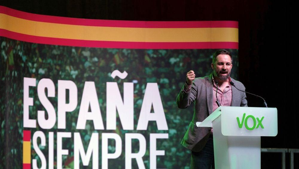 Santiago Abascal comienza la campaña en Hospitalet