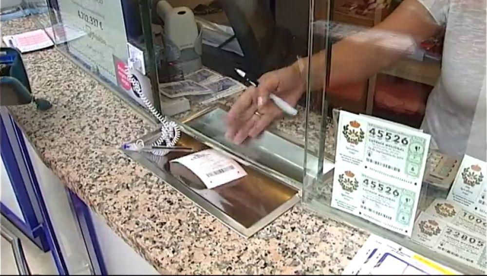 Detenida una lotera por quedarse presuntamente con el boleto premiado de un cliente