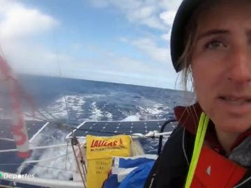 El calvario de Violette Dorange, la joven de 18 años que quiere curzar el Atlántico navegando en solitario