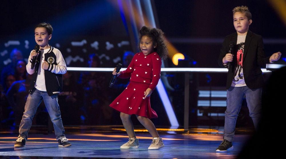 Daniel, Yolaini y Abel cantan 'El mejor momento' en las Batallas de 'La Voz Kids'
