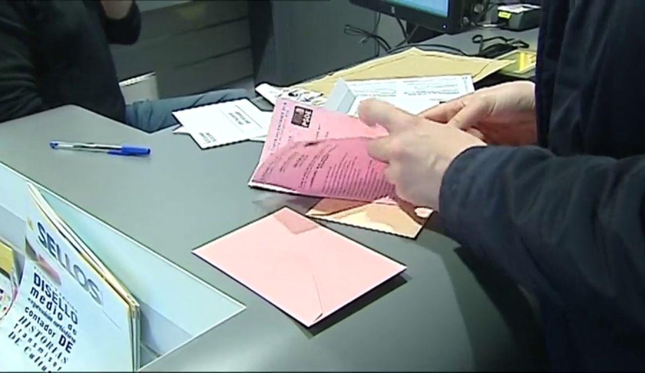 Horarios de las oficinas de Correos hoy para solicitar el voto por correo