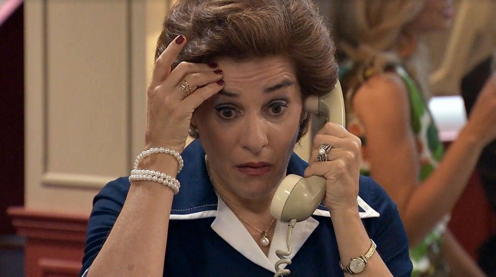 Benigna, sorprendida tras recibir una llamada de teléfono en 'Amar es para siempre'