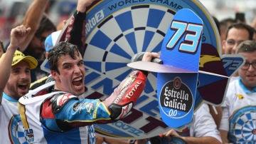Álex Márquez celebrado el titulo