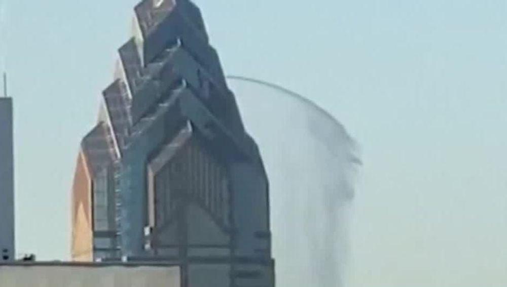 Una fuga de agua en un rascacielos de Filadelfia
