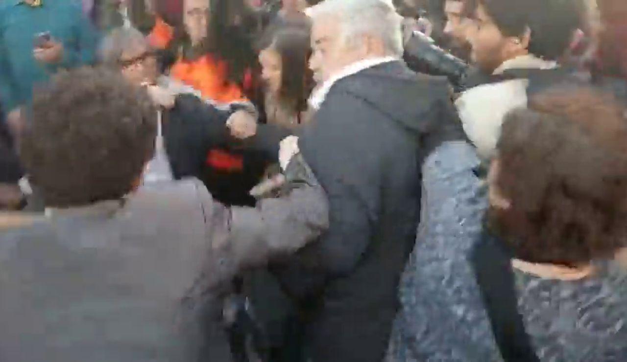 Los independentistas intentan impedir la llegada de invitados a los Premios Princesa de Girona