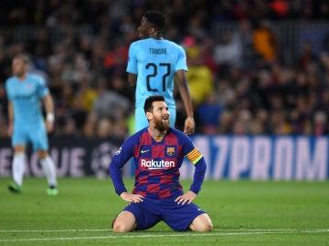 Leo Messi se lamenta tras una ocasión fallada ante el Slavia de Praga