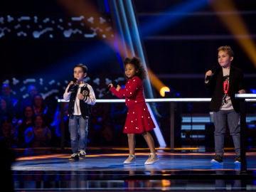 Yolaini Viñas, Abel Bernal y Daniel García cantan 'El mejor momento' en las Batallas de 'La Voz Kids'