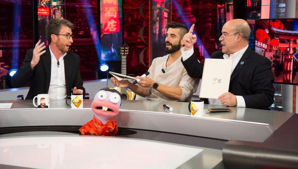 Piques y risas entre Antonio Resines y Álex García en 'El plecio justo' de Trancas y Barrancas