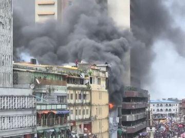 Incendio en un centro comercial de Nigeria