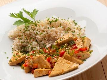 Arroz con verduras y tofu, con Joseba Arguiñano