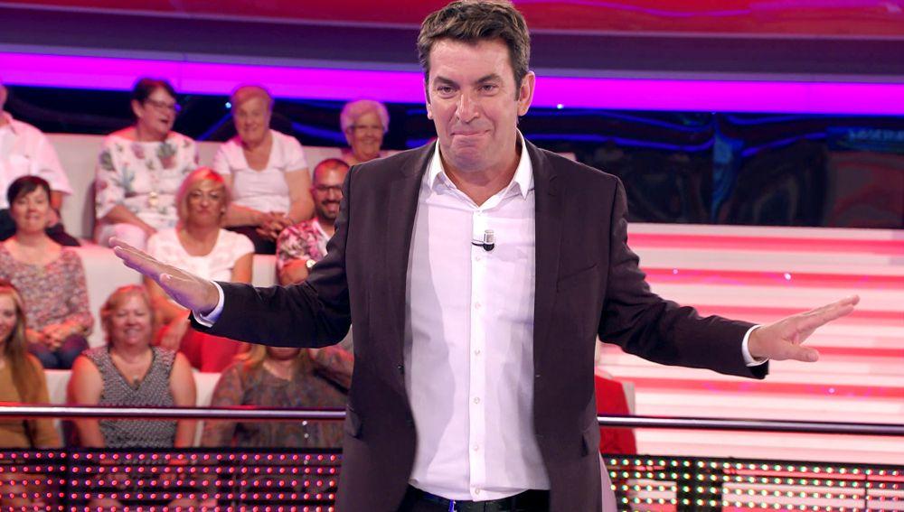 La reacción de Arturo Valls cuando una concursante de '¡Ahora caigo!' revela que la llaman 'Tetis'