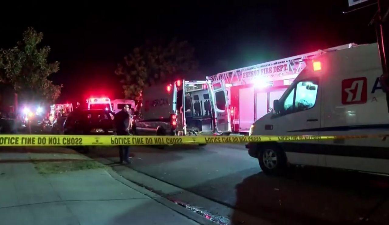Cuatro muertos y diez heridos en un tiroteo en una casa de Fresno, California