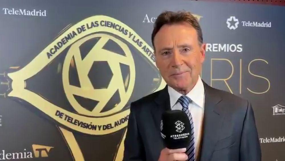 """Matías Prats tras recoger el Premio a la Trayectoria en los Premios Iris: """"Una noche emocionante"""""""