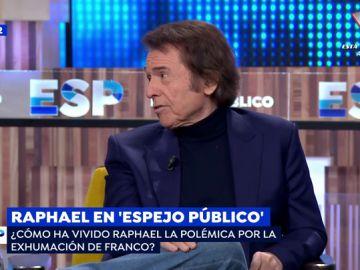El cantante Raphael.