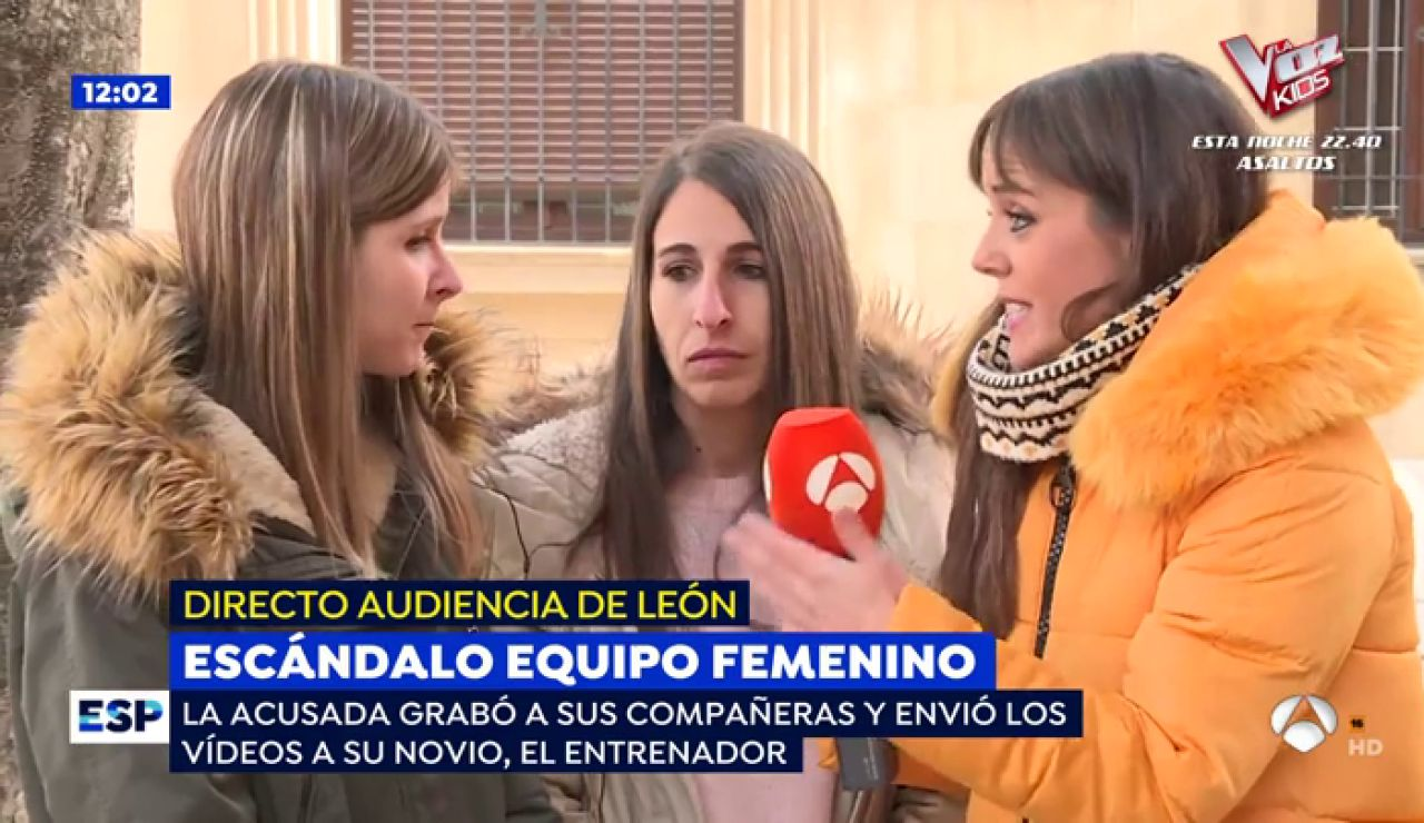 Escándalo en un equipo de fútbol femenino.