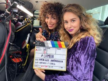 Paula Usero y Carol Rovira durante el rodaje de '#Luimelia'
