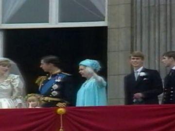 La historia de amor de Carlos y Camilla en el segundo 'annus horribilis' de la reina de Inglaterra