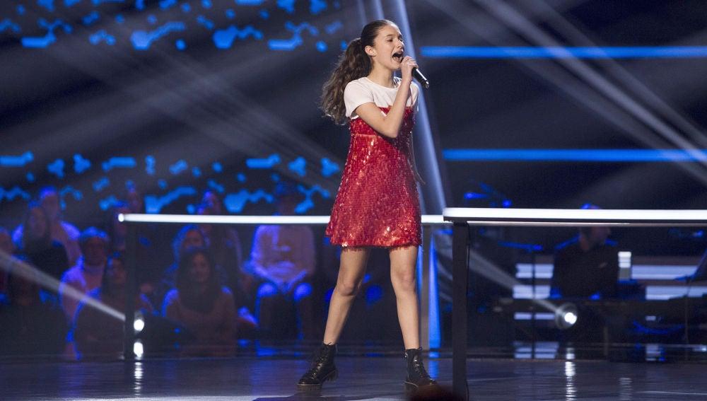 Actuación Irene Gil 'Mamma knows best' en los Asaltos de 'La Voz Kids'