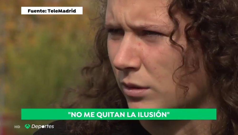 """Alexandra, la árbitra de 18 años insultada: """"No les dejaría entrar en el campo durante un tiempo"""""""