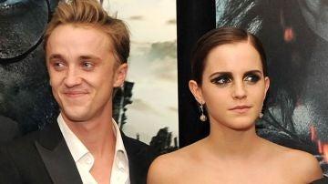 Tom Felton y Emma Watson presentando 'Harry Potter'