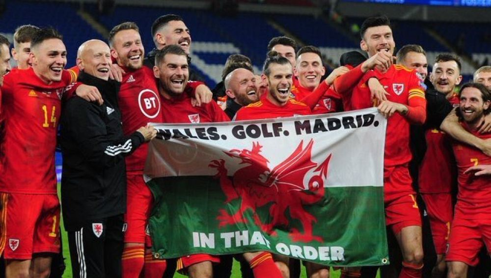 Gareth Bale celebra el pase a la Eurocopa