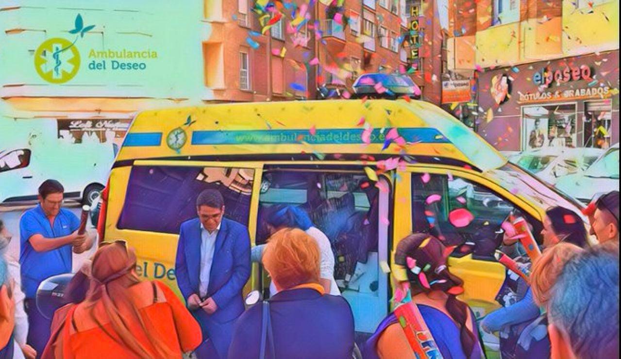 Ofician una boda dentro de una ambulancia