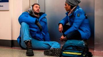 La noche más dura del New Amsterdam: una tormenta de nieve, sorprendentes confesiones y un apagón