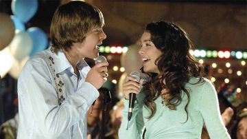 Zac Efron y Vanessa Hudgens en 'High School Musical'