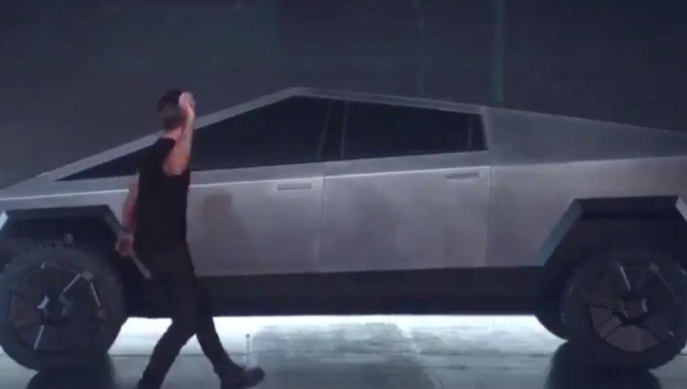 Error en la presentación del Tesla