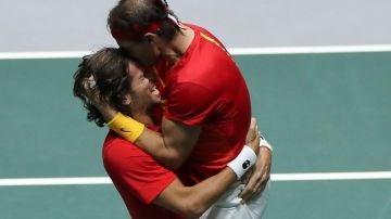 Rafa Nadal y Feliciano López  en la semifinal de la Copa Davis