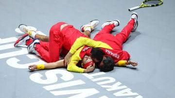 El equipo español celebra la victoria en la Copa Davis