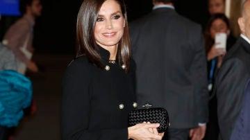 La reina Letizia en su primer acto de la noche