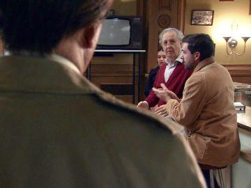 La arriesgada reunión de Pelayo en El Asturiano termina con una visita inesperada