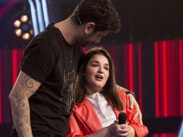 Melendi promete a Paola Casas grabar una canción con ella