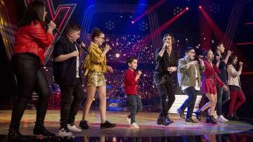 Fredi Leis canta 'Quiero darte' con los semifinalistas de Melendi y Rosario Flores
