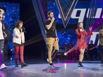 Melendi canta 'El cielo nunca cambiará' con su equipo en la Semifinal