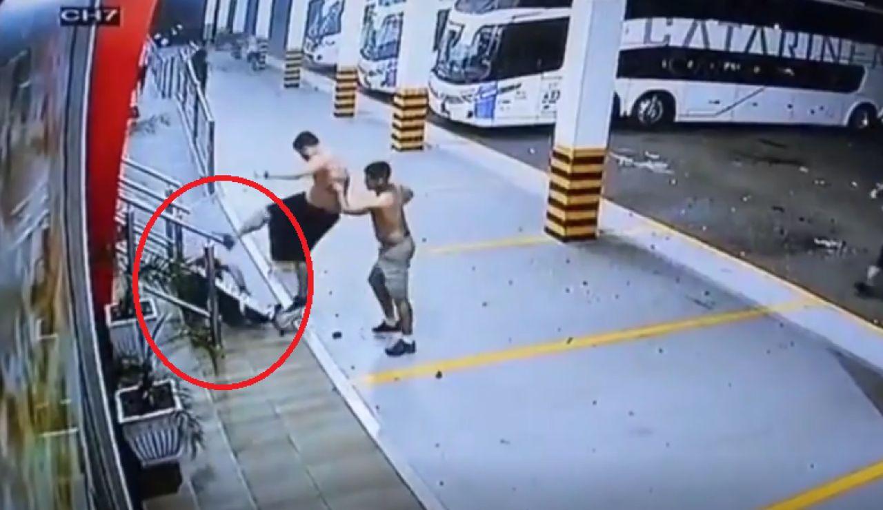 Un grupo de ultras propicia una brutal paliza a un hombre
