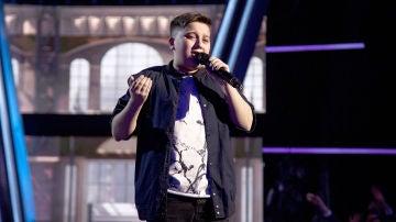 Chavito canta 'Uno x uno' en la Semifinal de 'La Voz Kids'