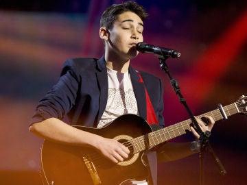 Julio Gómez canta 'How to save a life' en la Semifinal