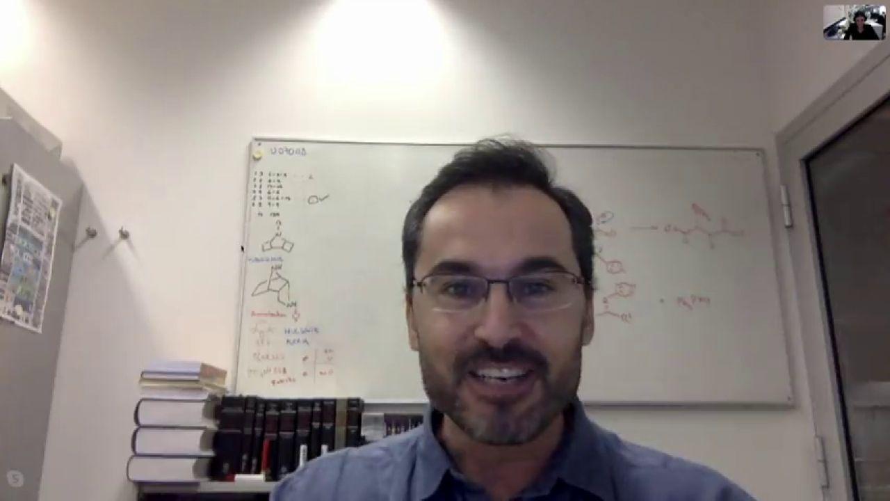 El Mejor Profesor De Química De Holanda, Es Español