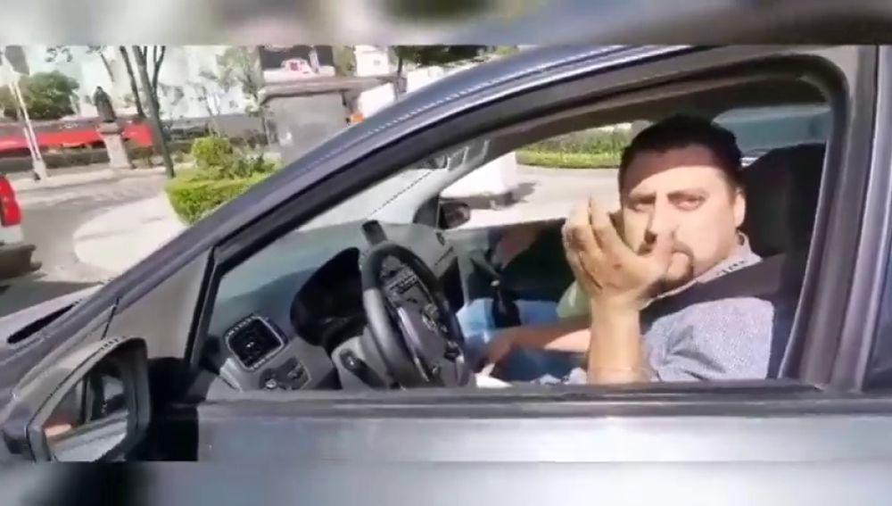 """Dos ciclistas se enfrentan a su acosador: """"Nalgona tu puta madre"""""""