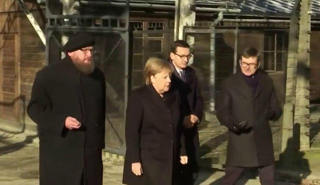 Angela Merkel visita Auschwitz, el mayor campo de exterminio nazi