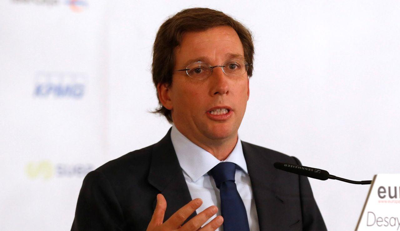 Almeida reprocha a Bardem sus infracciones a Hacienda tras críticas en la COP