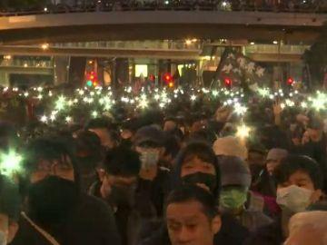 Hong Kong cumple seis meses ininterrumpidas de protestas con un récord de participación en sus calles